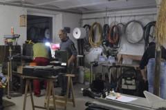 In der Werkstatt herrscht gute Stimmung.