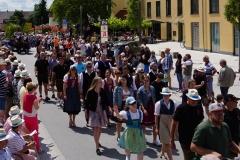 Viele  Kolpingmitglieder liefen beim Festumzug mit.