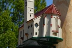Maifest 2019: Unsere Pfarrkirche am Bobinger Maibaum