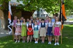 Maifest 2019: Die Tänzer des Mühlradels 2019 mit ihren Trainern Gisela und Wolfgang Bobinger