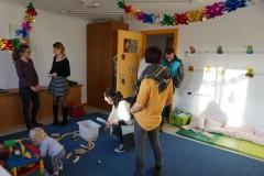 Interessierte Familien konnten sich beim Tag der offenen Tür über das Angebot der Nestgruppe informieren.